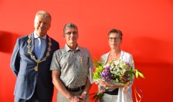 Bij zijn afscheid van de vrijwillige Brandweer Halsteren is René van Broekhoven koninklijk onderscheiden.