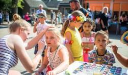 Basisschool Sint Maarten veranderde in een heus vakantieparadijs met volop leuke activiteiten voor de leerlingen.
