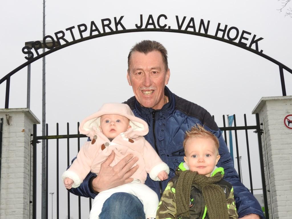 Jan van der Poel trots op kleindochter Sofie en kleinzoon Milan