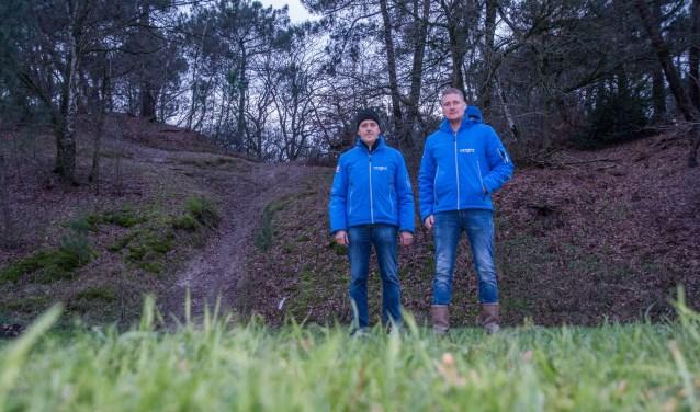 Jan Maas en Jan van Gastel bij de Nootjesberg, onderdeel van hun 'droomparcours'