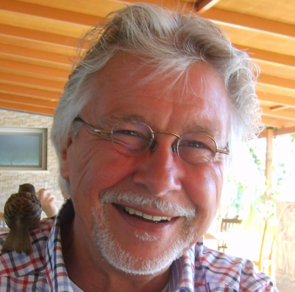 Hans van den Broek is de auteur van het nieuwe boek Vliegtuigen Koninklijke Luchtmacht.
