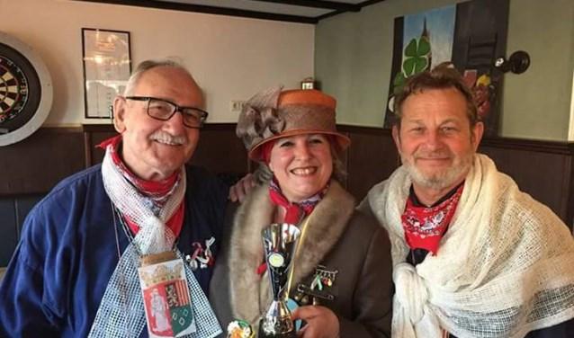 Wie kan Jan Luysterburg (links) dit jaar huldigen na 't Grwoot Dikteej?