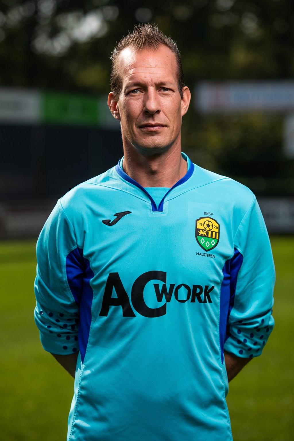 Zaterdag 1-goalie Ronald van Leeuwen maakte het Kloetinge moeilijk.  © Minerve Pers