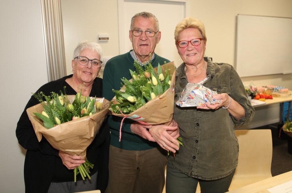 Ingrid van Broekhoven, Piet Luijks en Regina van der Velden bij de vergadering.  © Minerve Pers