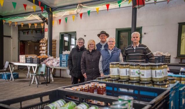 De vrijwilligers van de Woensdrechtse dependance van de Voedselbank hopen dat meer mensen hen weten te vinden.
