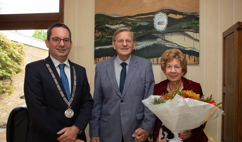 Felicitaties op hun 65-ste huwelijksdag voor het paar Griffioen-de Pree.
