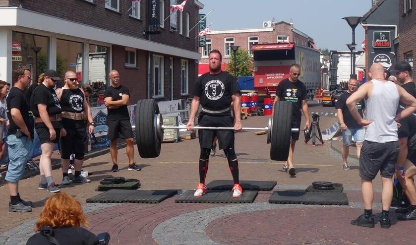 Ossendrecht vormt het decor voor de wedstrijd Sterkste Man van de Brabantse Wal.