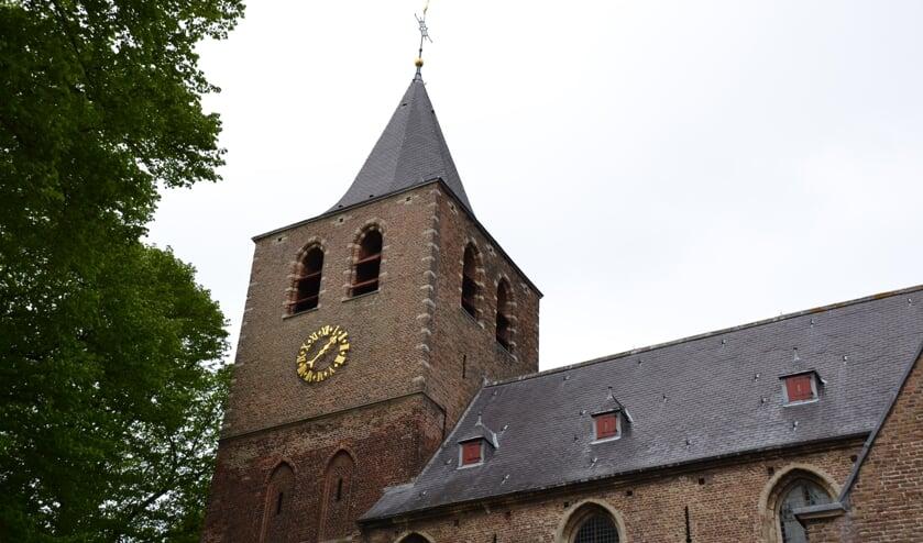 Het carillon boven in de Sint Martinuskerk is nu nog moeilijk bereikbaar.