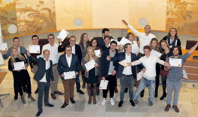 Het team 'De Yellovaters' won met hun idee voor minder mobiele inwoners de innovation award van de Udense editie van Innovation in a Week.