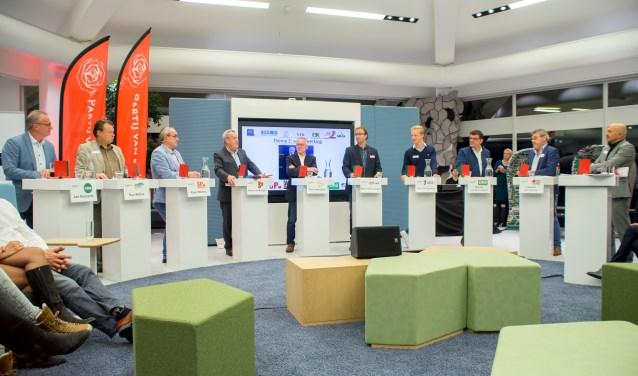 De negen lijsttrekkers in debat voor ondernemend Meierijstad (foto Margot van Kleef).  © Kliknieuws Veghel