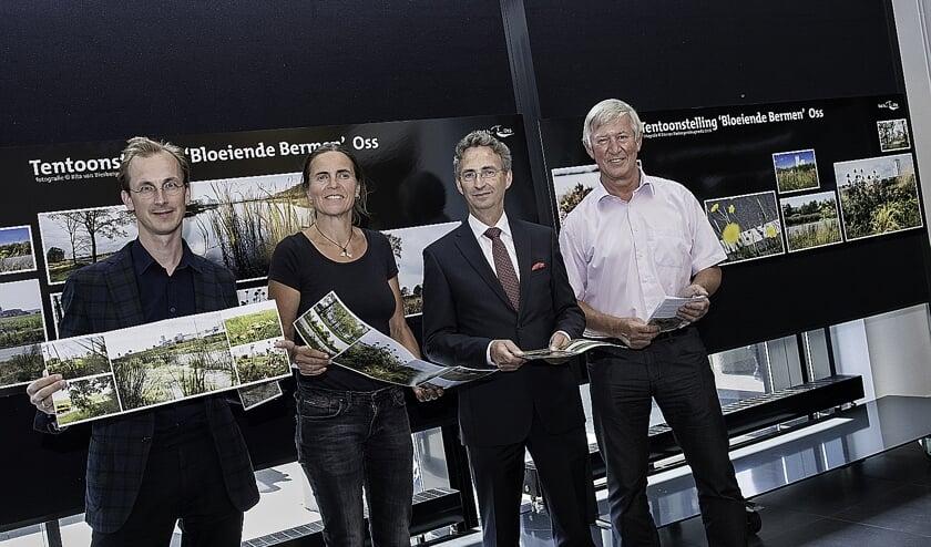 Jan van Loon staat uiterst rechts op de foto.
