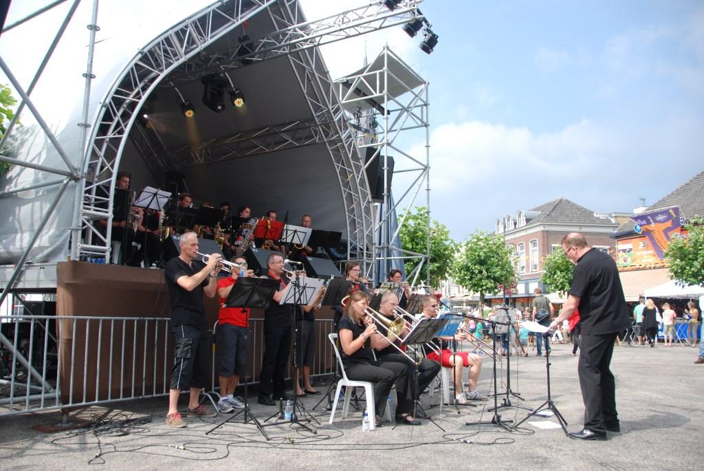 Dit jaar gewoon een uitgebreid programma op de Markt in Veghel tijdens FM16.  © Kliknieuws Veghel