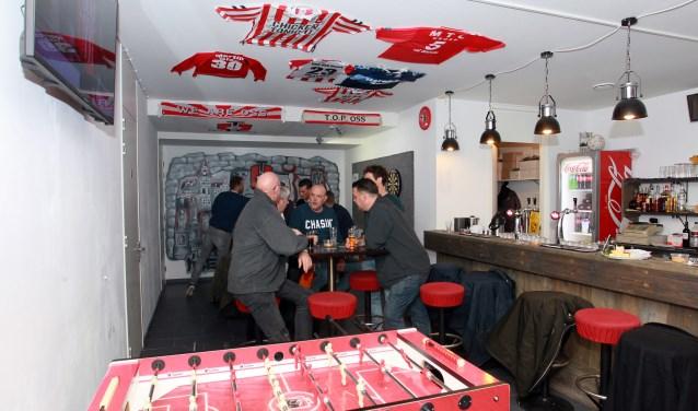 Het supportershome van FC Oss. (Foto: Hans van der Poel)