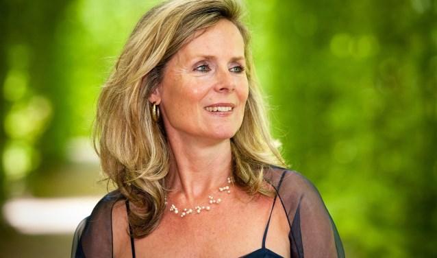 Sopraan Catharina Jansen treedt in de Schouwburg Venray op met fanfare Vriendenkring uit Overloon.