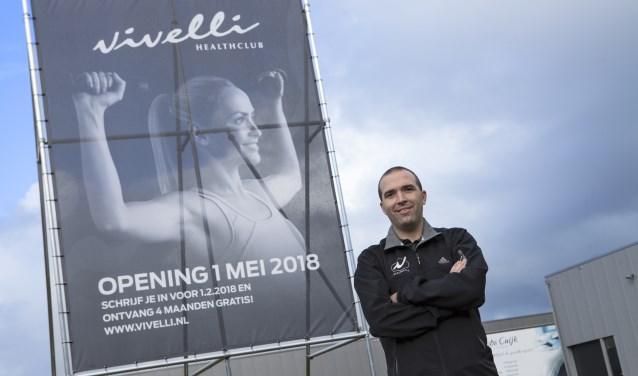 Niels van der Heijden op de plek waar Vivelli Cuijk volgend jaar de deuren opent. Foto: Diana Derks