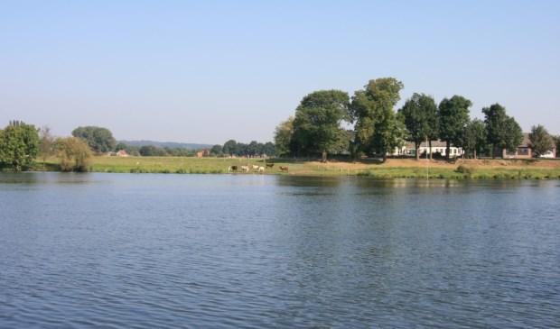 Het waterschap wil dat ook de dijken langs de Maas veilig blijven.