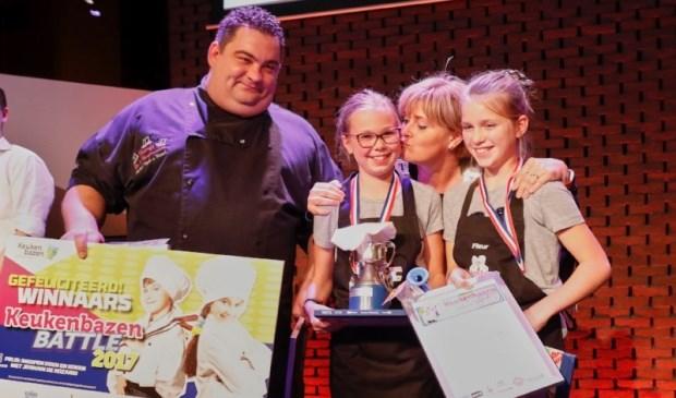 Het winnende team uit Sint Anthonis met chefkok Niels van Kessel, Maureen Vloet, Fleur van Nistelrooij en burgemeester Marleen Sijbers. Foto: Wim Hollemans