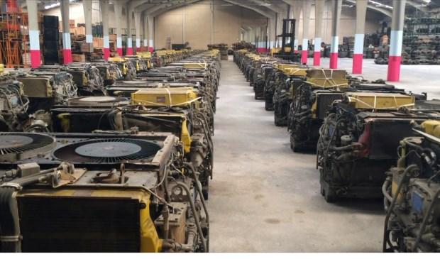Ook werd handelswaar, waaronder onderdelen voor legervoertuigen, in bedrijfshallen in Gennep en Loosdrecht in beslag genomen.
