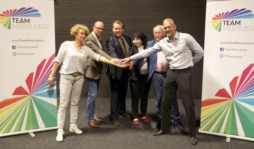 Wern van Asseldonk (tweede van links) is tijdelijk de nieuwe fractiovoorzitter.