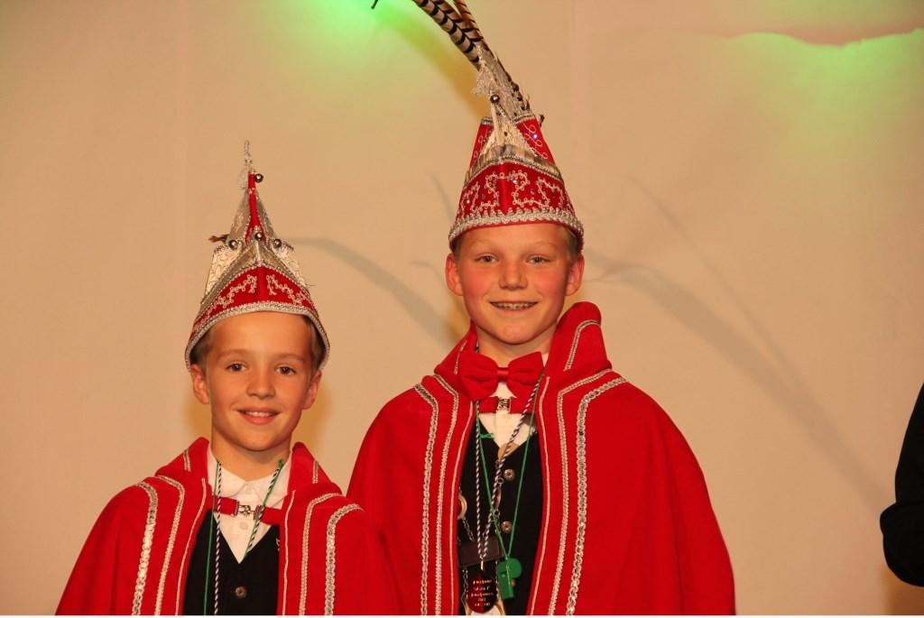 Jeugdprins Rens en adjudant Tristan van Daal van de Keieschieters, Vierlingsbeek.    © Kliknieuws De Maas Driehoek