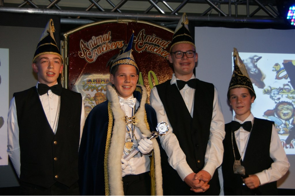 Jeugdprins Niek d'n Urste met zijn Adjudanten Jarne en Abe en Vorst Tygo van De Bokkerijers, Beers.   © Kliknieuws De Maas Driehoek