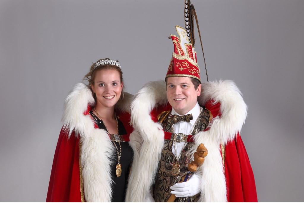 Prins John d'n Urste  (Heijsterman) en prinses Leonie van de Ulewappers. Foto: Berry Poelen   © Kliknieuws De Maas Driehoek
