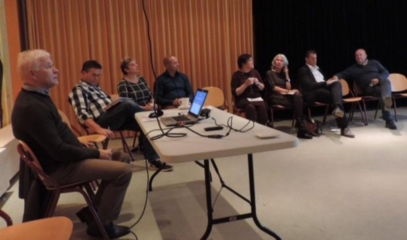 De ledenvergadering van de nieuwe Udense partij.