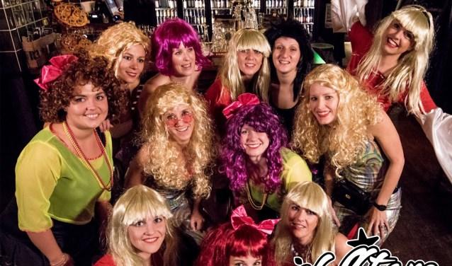 Deze groep vriendinnen is nu al klaar voor carnaval met hun carnavalshit 'Vatte Wa Ge Lust!'
