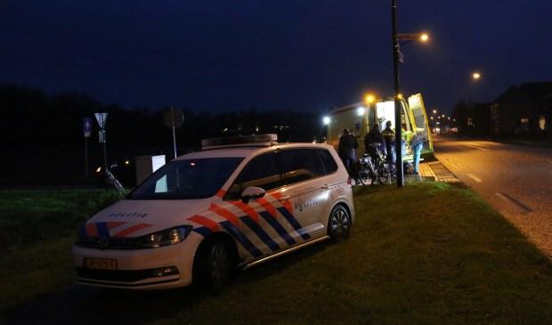 Politie en ambulance op de plek waar  het ongeval plaatsvond. Foto: SK-Media