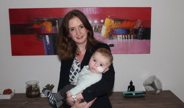 Lonneke Ramaker - Van Veghel en haar zoon Quinn.