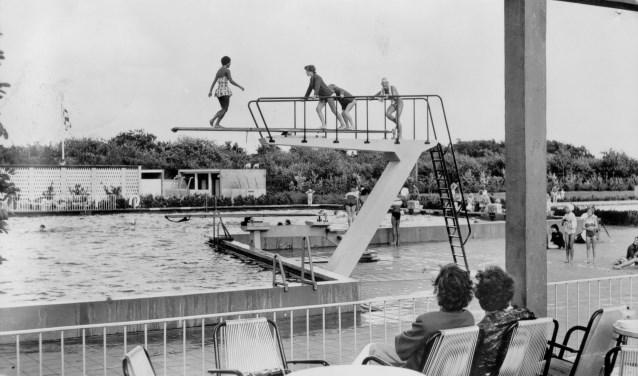 Foto van vroeger openluchtzwembad for Zwembad uden