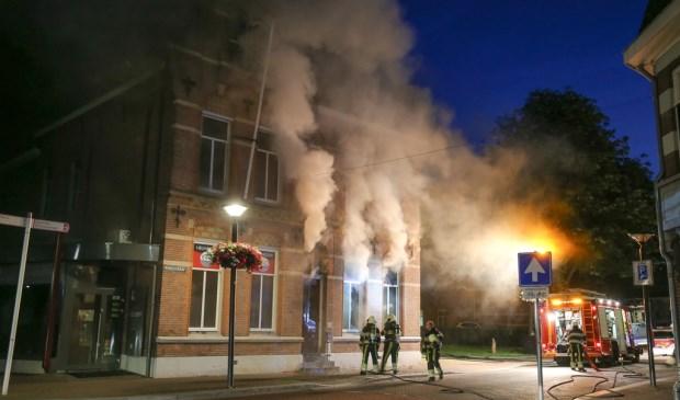 De brand brak woensdagnacht uit ( Foto's : Maickel Keijzers / Hendriks Multimedia )
