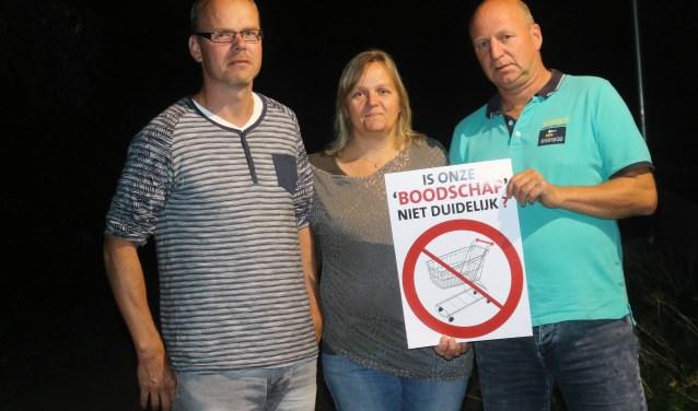 Stefan Hoen, Hetty Janssen en Jan Kemps (vlnr), omwonenden van het Van der Venne-terrein.