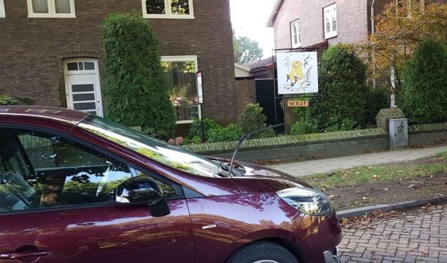 Ruitenwisser vernield bij een auto aan de Vianenstraat.