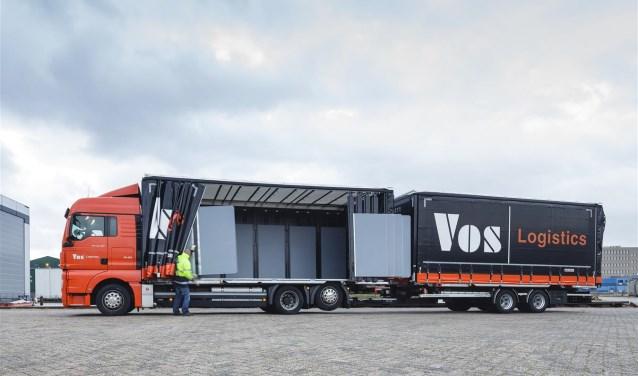 Een vrachtwagen van Vos Logistics.