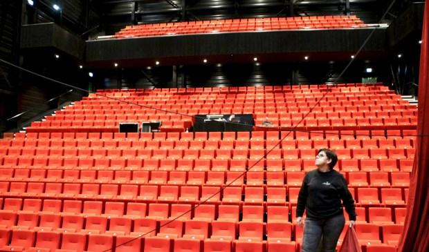 Er wordt momenteel nog hard gewerkt om het theater op tijd af te krijgen.