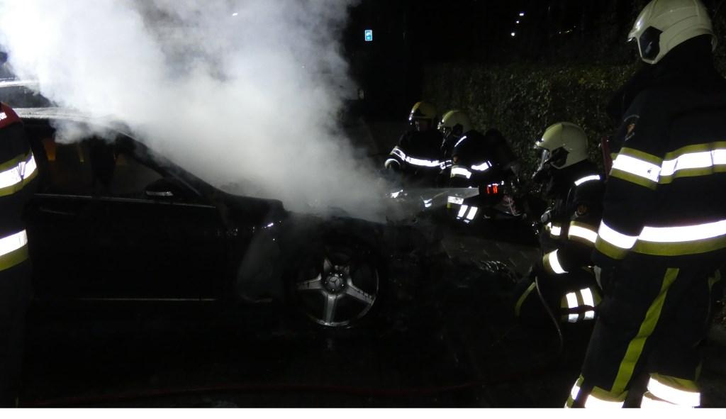 Politie zoekt getuigen autobrand in Oss   © Kliknieuws Oss