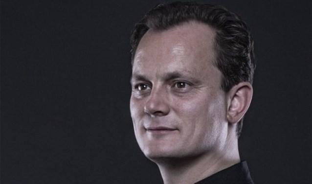 Sander Teepen is de dirigent.