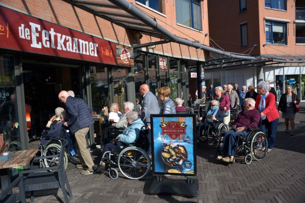 40-tal senioren geniet van etentje bij de Eetkaamer [FOTO\'S]