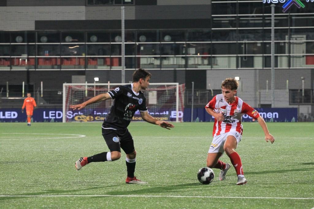 TOP Oss - FC Den Bosch. (Foto: Hans van der Poel)  © Kliknieuws Oss