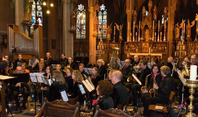 Het koor krijgt de naam 'De Kuusseloeiers'.