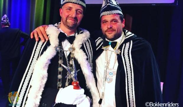 Prins Sandor en Adjudant Bart in Oijen. (Foto: Facebook-pagina Bokkenrijders)