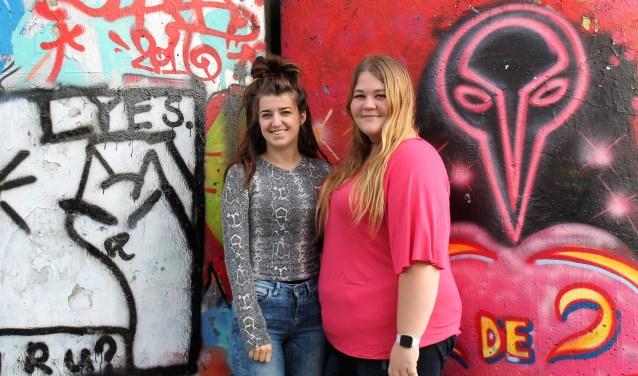 Semira Camdzic en Danielle van Geel.