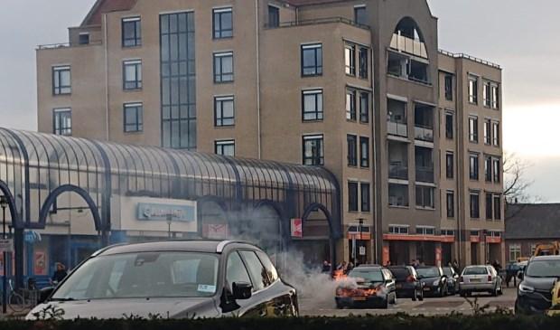 Autobrand op het Burchtplein in Oss.