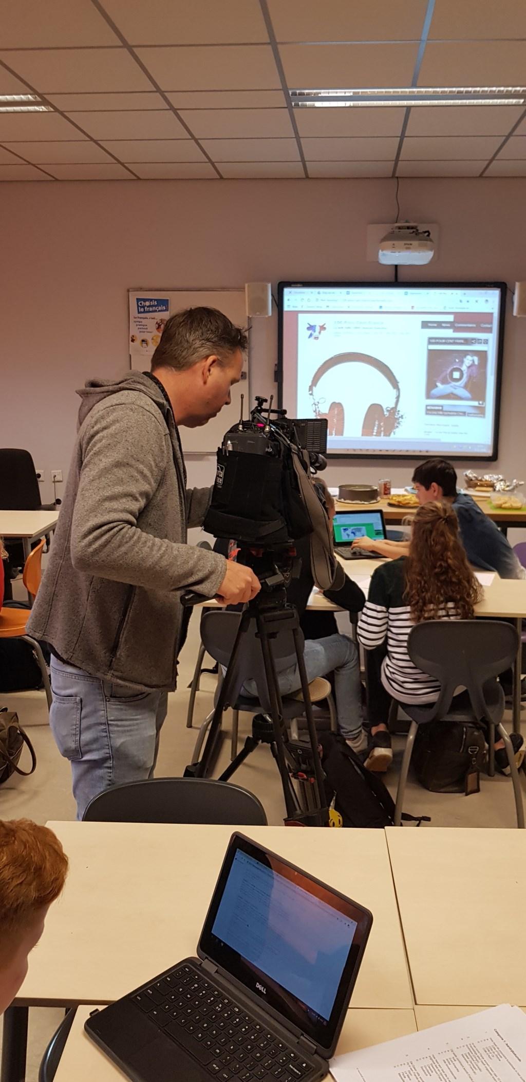 Jeugdjournaal maakte opnames bij het Zwijsen College in Veghel.  © Kliknieuws Veghel