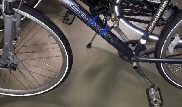Eén van de aangetroffen fietsen. Foto: Facebook politie Oss)