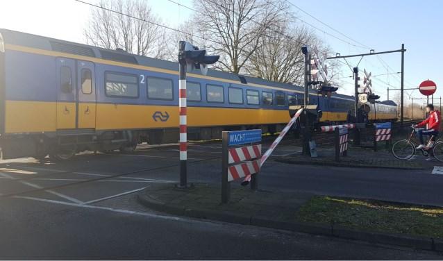 Ongeval op de Dr. Saal van Zwanenbergsingel. (Foto: Maickel Keijzers / Hendriks Multimedia)