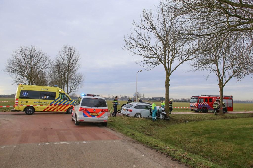 Twee gewonden bij ongeval tussen twee auto's op Geffense kruising  Foto: Maickel Keijzers © Kliknieuws Oss