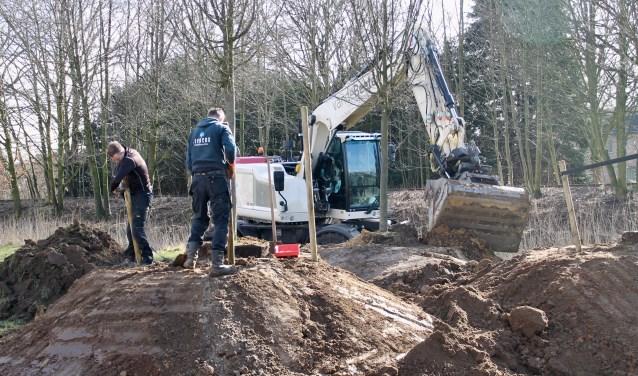 Siebers Tuinprojecten en Van de Beeten waren afgelopen maandag en dinsdag hard aan het werk.
