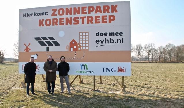 Erik Zweers (Energie van Hollandsche Bodem), Harry van Rooijen (wethouder) en Jeroen Kok (BOM-manager).